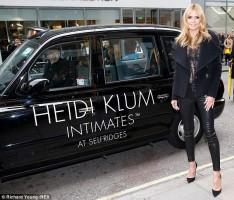 Heidi Klum en promotion pour sa lingerie Intimates
