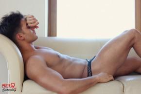 Anatoly Goncharov pose pour Petit-Q Underwear